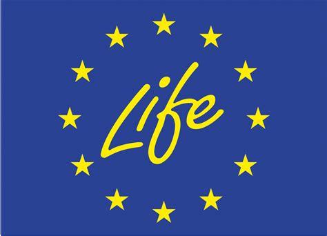 Lancement du projet LIFE WOLFALPS EU : favoriser la coexistence homme-loup dans les Alpes